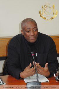 Fred P. FORTUNE, assume les fonctions de Directeur